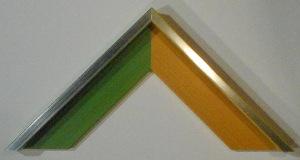 Schattenfugenrahmen aus Leistenrahmen mit fertiger Oberfläche