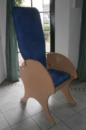 Beispiel für den Einsatz einer Birke-Multiplexplatte als Teile eines Stuhls/Sessels