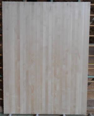 Ansicht einer  Birke-Leimholzplatte mit durchgehenden Lamellen