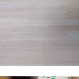 Keilgezinkte Birke-Leimholzplatten