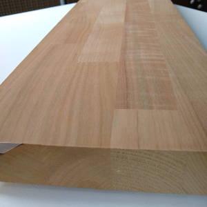 38mm starke Kirschbaum-Leimholz mit keilgezinkten Lamellen, Plattenkopf und keilgezinkte Oberfläche