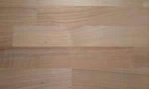 Oberfläche Kirschbaum-Leimholz mit keilgezinkten Lamellen, unbehandelt