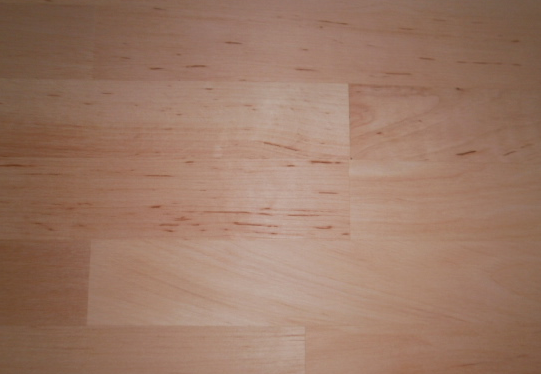 Erle-Leimholzplatten-mit-keilgezinkten-Lamellen-im-Versand
