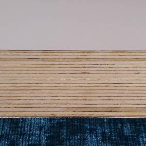 Weiß beschichtete Multiplexplatte