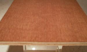 Mahagoni-Sperrholzplatte : Ansicht der Furnierschichten