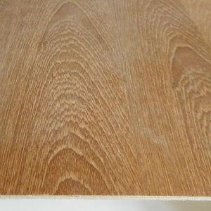 Teak-Sperrholzplatte : Ansicht der Oberfläche und der Furnierschichten