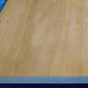 Kirschbaum-Tischlerplatten, messerfurniert