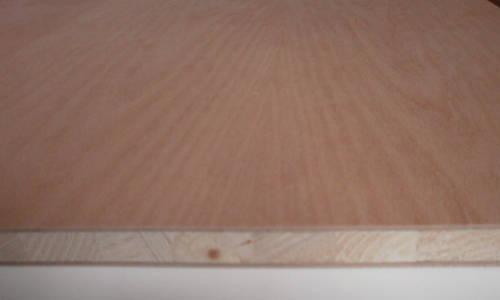 5-fachen messerfurnierten Ansicht einer Buche-Tischlerplatte
