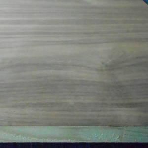 5-fachen messerfurnierten Ansicht einer Nußbaum-Tischlerplatte