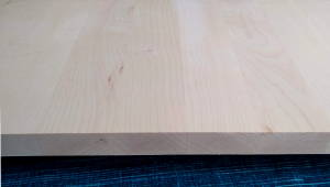 Ahorn-Brett, 15mm stark, 200 mm breit, aus ca. 4 bis 5 Lamellen verleimt