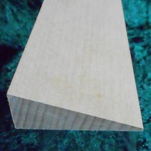 Buche-Holzkeil 100mm lang, 30mm breit, vorne 50mm hoch, hinten 20mm hoch